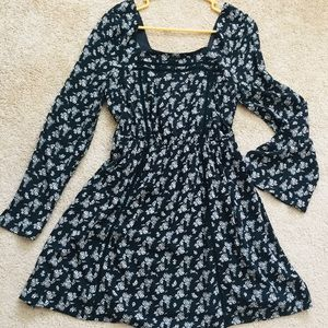 Miami Long Sleeve black and white floral dress